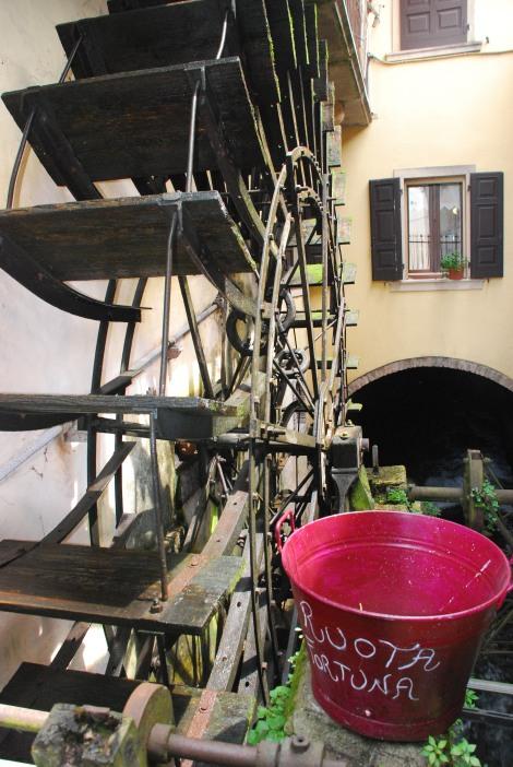 Borghetto sul Mincio - Large water mill wheel