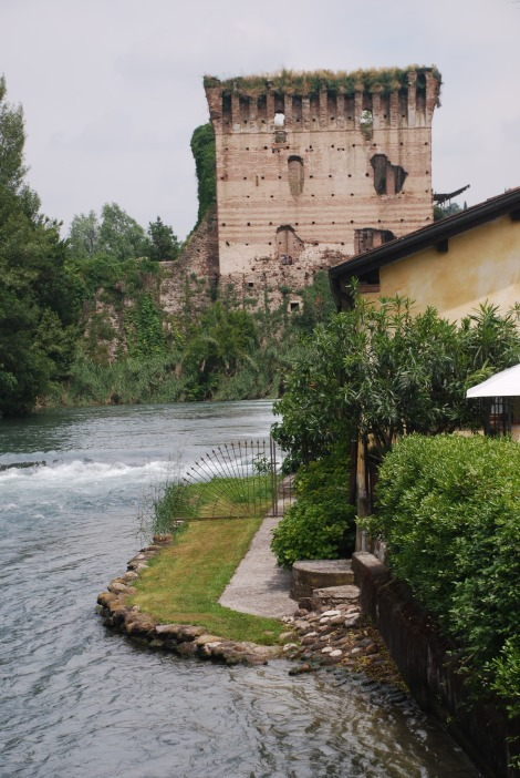 Borghetto sul Mincio - fortified bridge