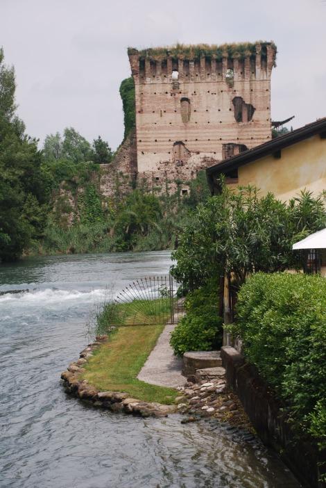 Borghetto sul Mincio - fortified bridge
