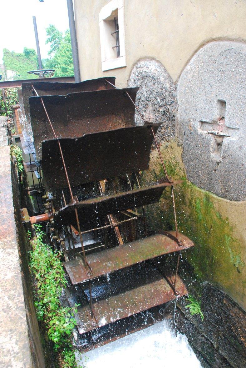 Borgehtto sul Mincio - small water mill eheel