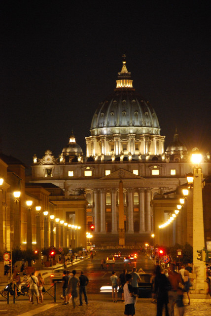 Visit Rome_ night - St Peter by night_01