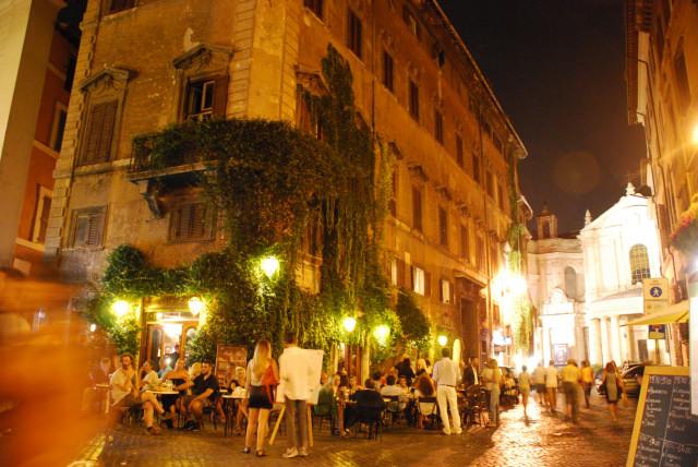 Visit Rome_night - Caffé della  pace_02