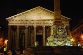 Visit Rome_night_Pantheon by night_01