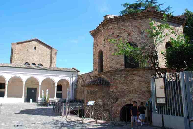 Visit Ravenna_Battistero degli Ariani 1