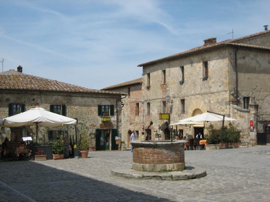 Monteriggioni - borgo