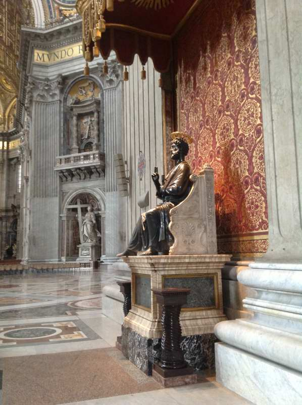 St Peter_St Peter statue