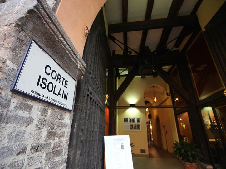 Visit Bologna_Corte Isolani