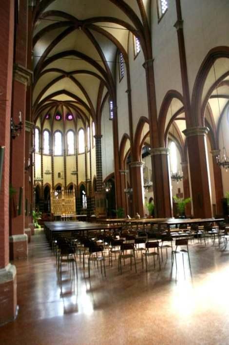 Visit Bologna_San Francesco_Navata