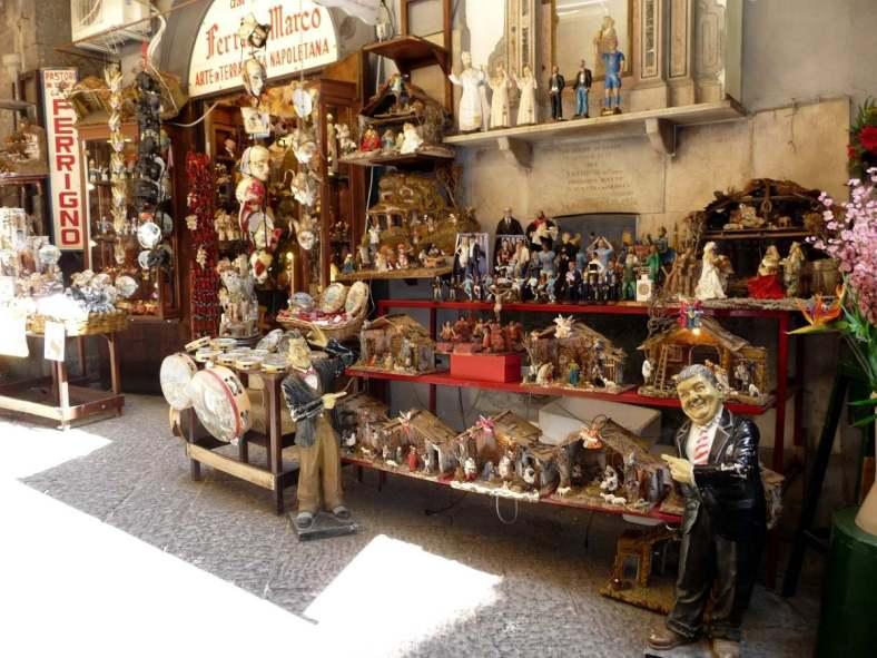 Visit Italy_San gregorio Armeno market
