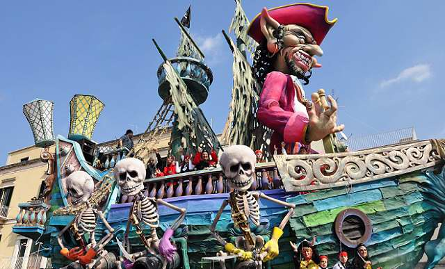 Delightfullyitaly_Carnival_Putignano_6