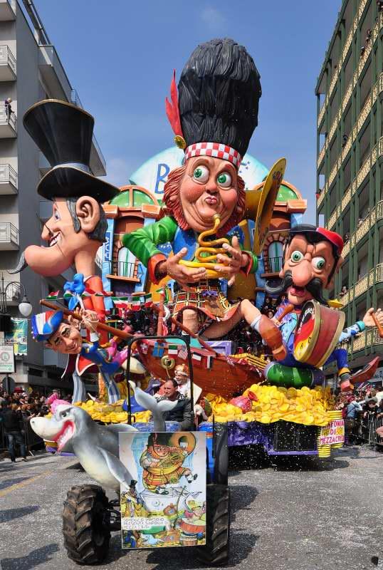 Delightfullyitaly_Carnival_Putignano_7