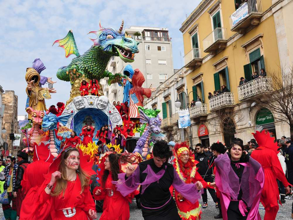 Venice Carnival, and five other top Italian Carnival ...