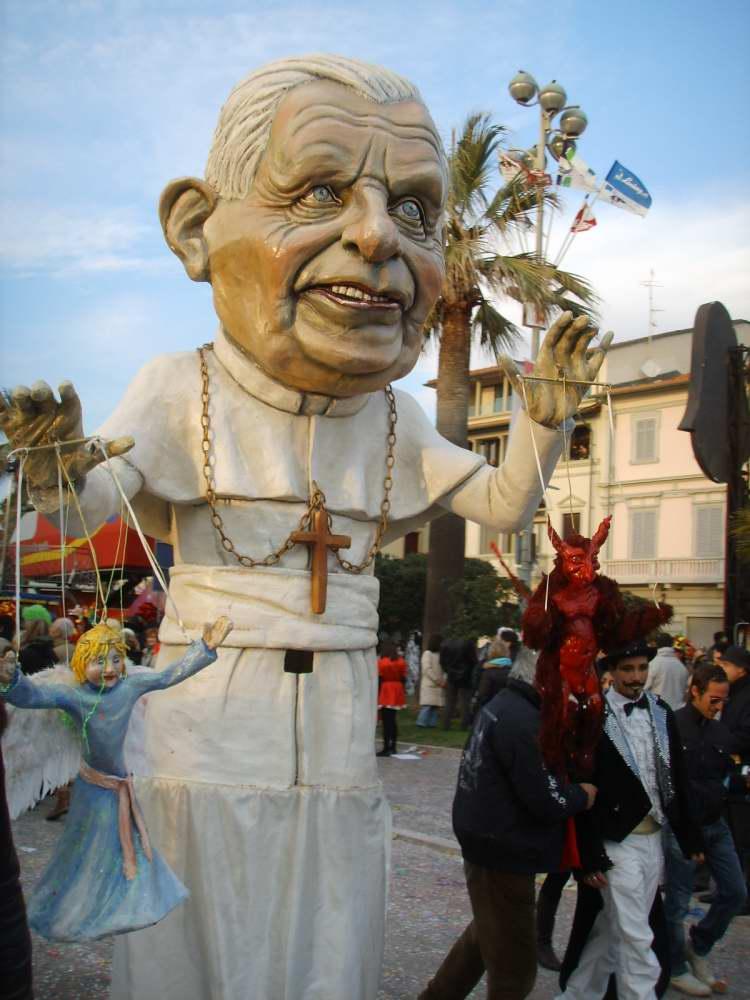 Delightfullyitaly_Carnival_Viareggio_2