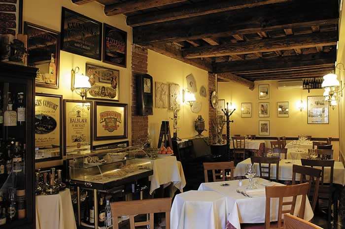 Delightfullyitaly_romantic italy_Verona 4_01