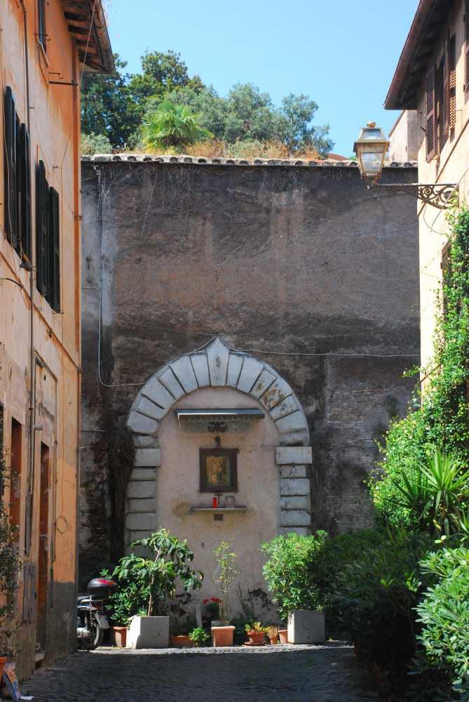 www.delightfullyitaly_Rome-Walk in Trastevere 12