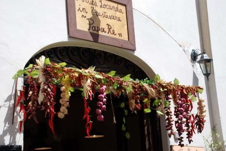 www.delightfullyitaly_Rome-Walk in Trastevere 20-3