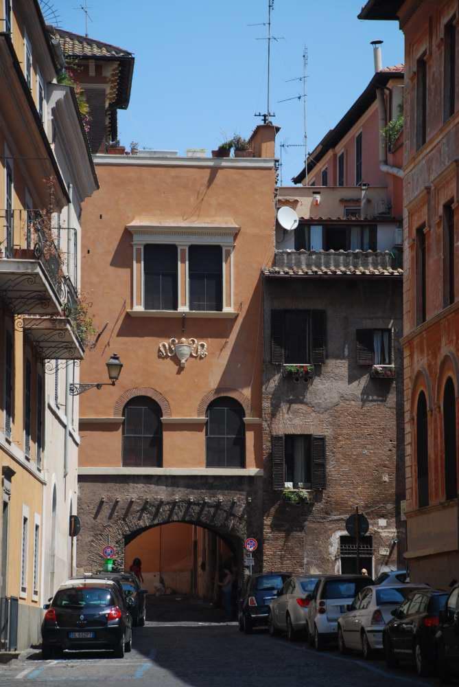www.delightfullyitaly_Rome-Walk in Trastevere 24