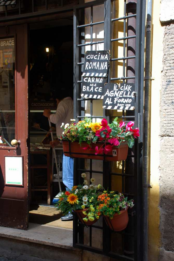 www.delightfullyitaly_Rome-Walk in Trastevere 8