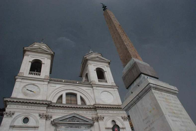 www.delightfullyitaly.com_Spanish steps_41