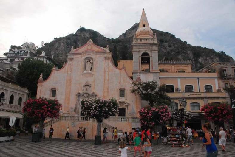 www.delightfullyitaly.com_Taormina_519