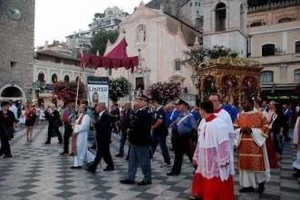 www.delightfullyitaly.com_Taormina_560