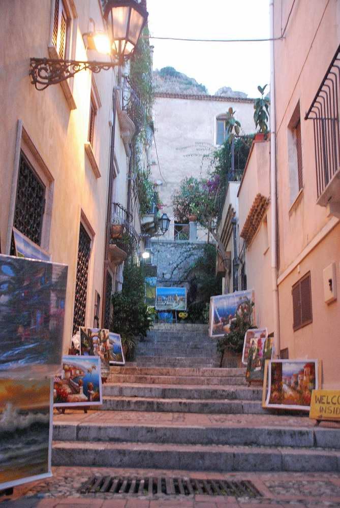 www.delightfullyitaly.com_Taormina_568