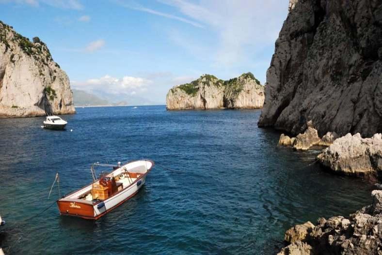 www.delightfullyitaly.com-Capri_Faraglioni walking tour_27