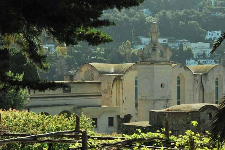 www.delightfullyitaly.com-Capri_Faraglioni walking tour_7