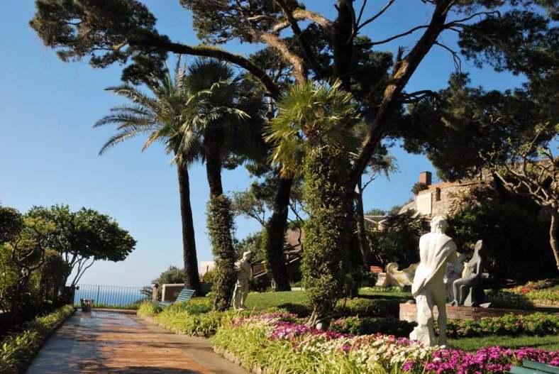www.delightfullyitaly.com-Capri_Faraglioni walking tour_8
