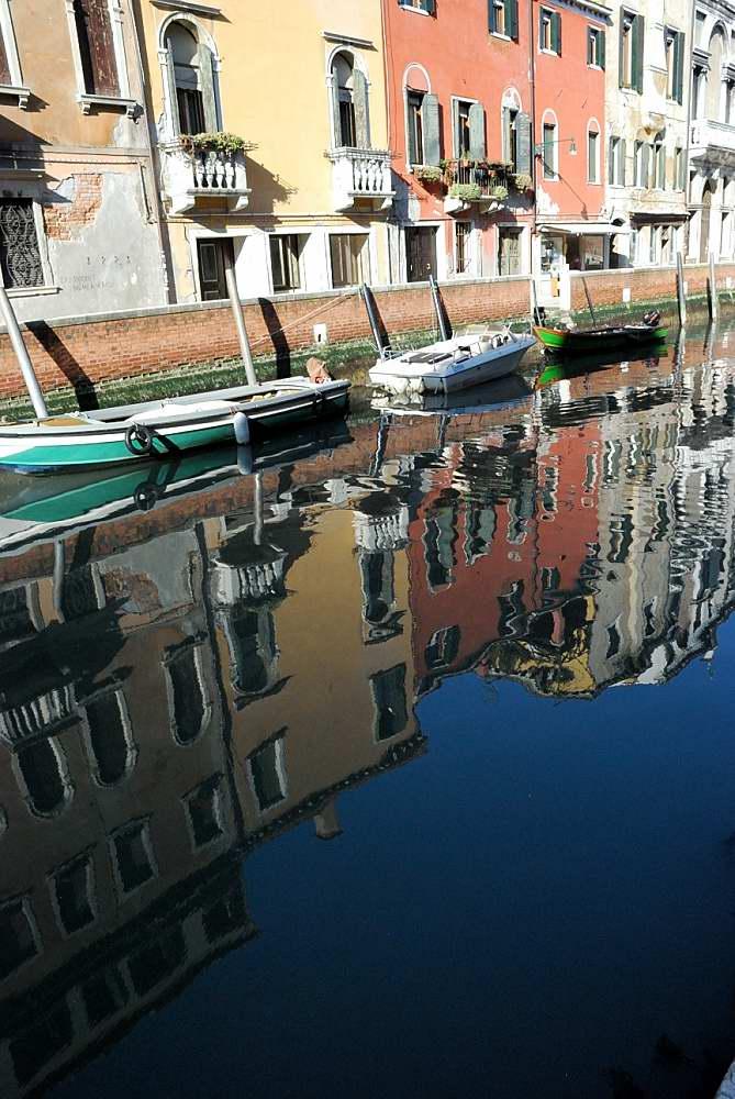 www.delightfullyitaly.com_venice reflections_3