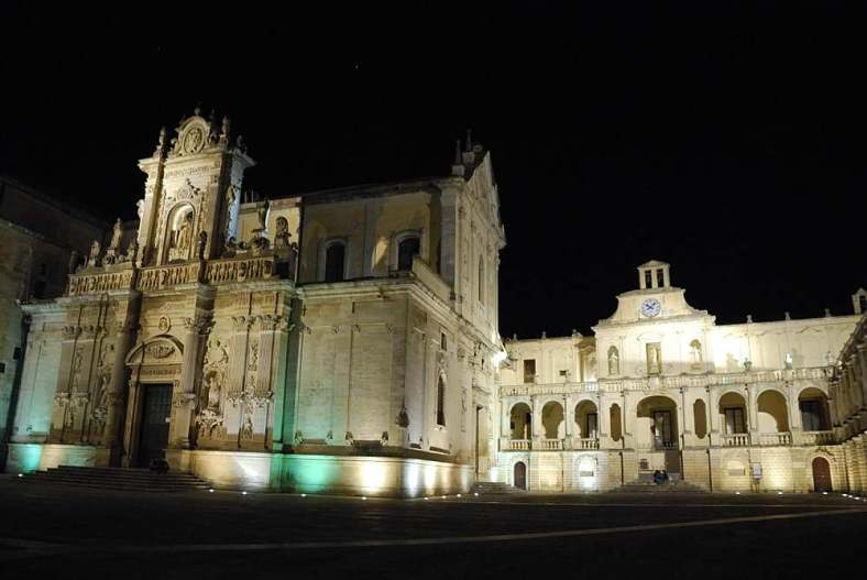 www.delightfullyitaly.com_lecce-by-night__170