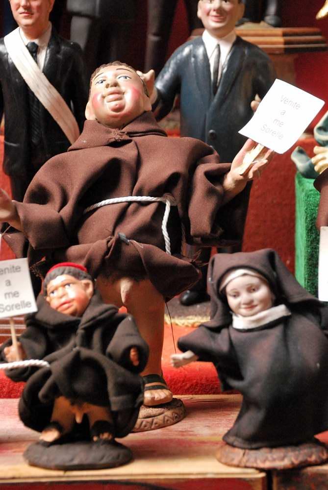 Delightfullyitaly.com_San Gregorio Armeno_021