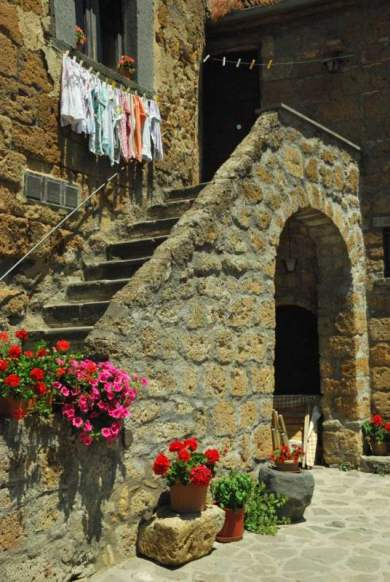 Civita Bagnoreggio_the dying city_090