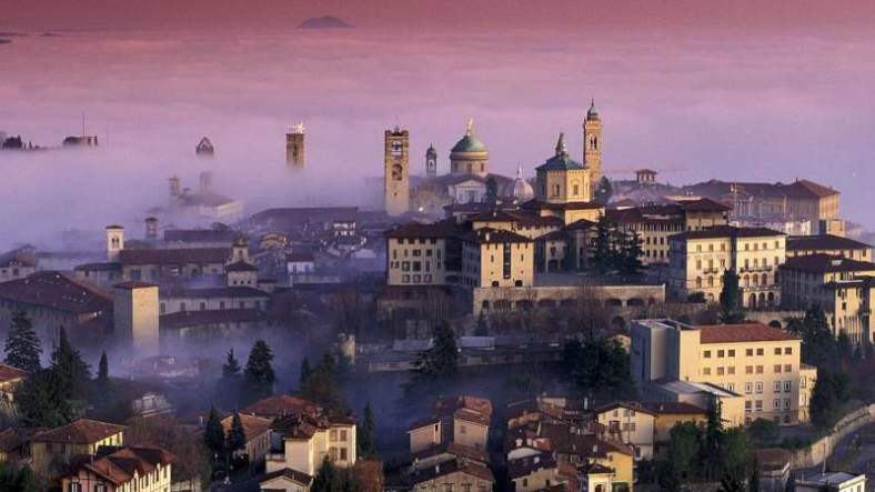 www.delightfullyitaly.com__Bergamo_sunset