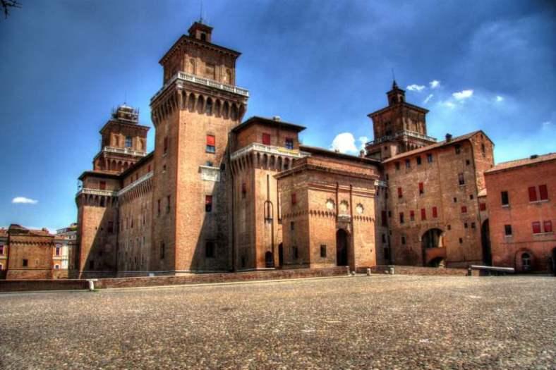 www.delightfullyitaly.com__Ferrara