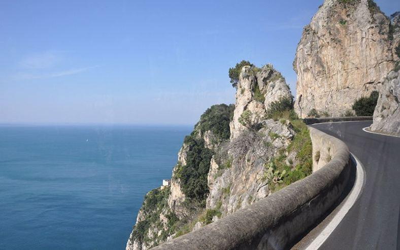 Amalfi coast_the road